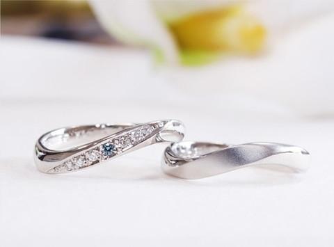 手作りブランド「オレフィチェリーア」の結婚指輪と料金について